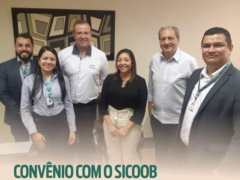 Legislativo Municipal estabelece cooperação com Sicoob