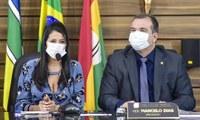 """Presidente Elma Garcia participa de Sessão Plenária, estabelecendo """"intercâmbio legislativo entre as duas casas de leis"""