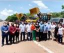 Vereadores de Santana acompanham entrega de veículos e patrulhas mecanizadas para o município.